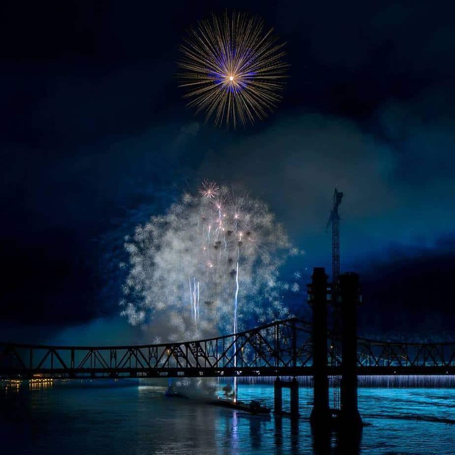 Fireworks over Ohio River Louisville, KY Thunder Over Louisvlle