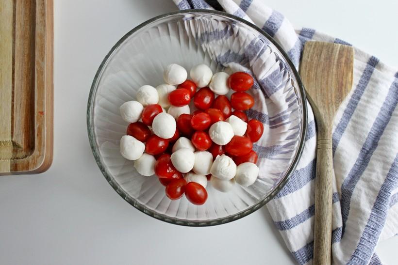 Mozzarella balls and tomatoes in bowl
